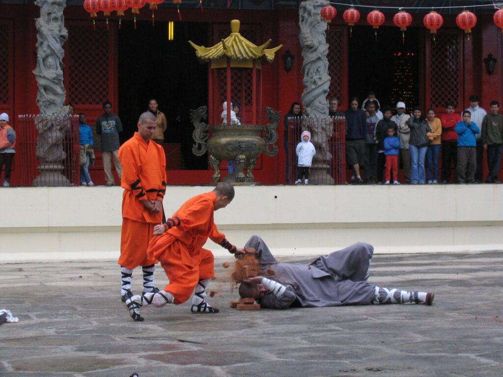 chi-kung-cabeca-de-ferro